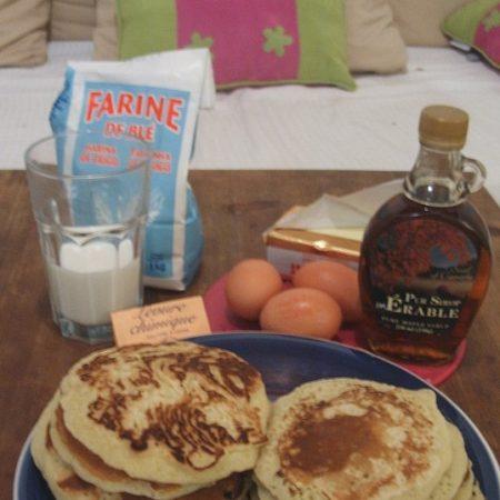 des pancakes au sucre et sirop d'érable