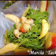 une salade de pommes roquette et noix de saint jacques