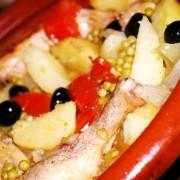 une recette de plat mijoté cuit en tajine, facile à faire avec du poulet et des petits pois