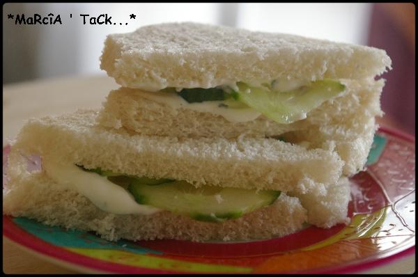 Toasts anglais au concombre recettes de cuisine - Recette sandwich pain de mie ...