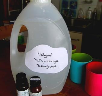 recette nettoyant multi usage huile essentielle