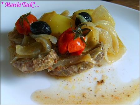 Tajine de boeuf aux petites tomates et petites patates