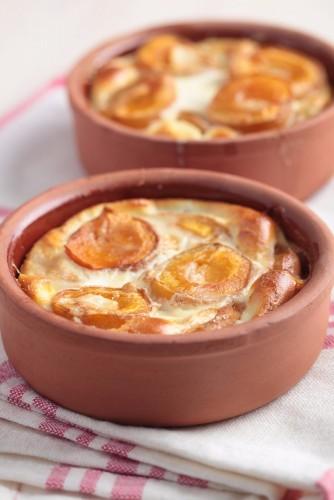 des clafoutis à l'abricot