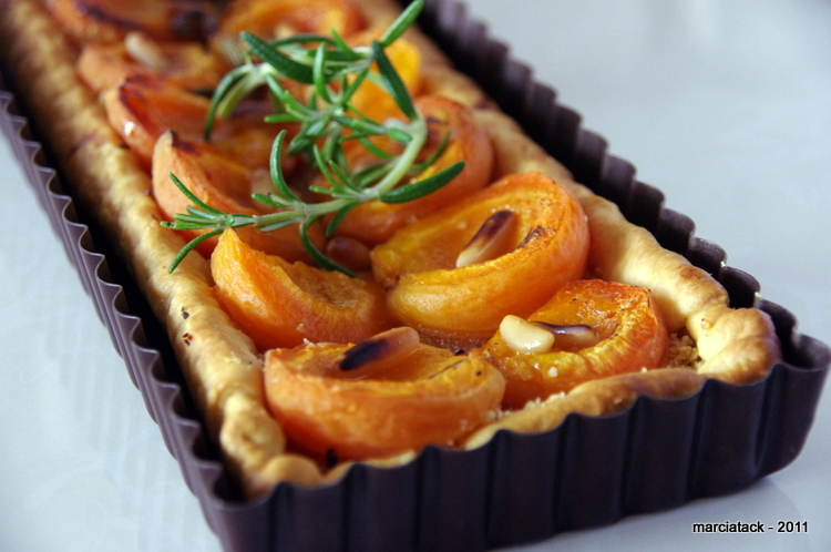 recette+tarte+abricot+rapide+miel+romarin+amande