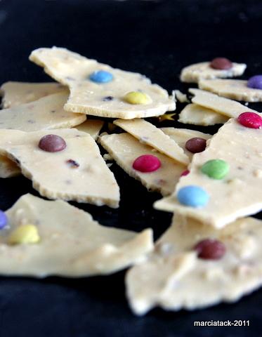 mendiants+Eclat de chocolat blanc aux smarties et noisettes