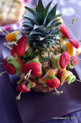 apero-dinatoire-brochettes-de-fruits