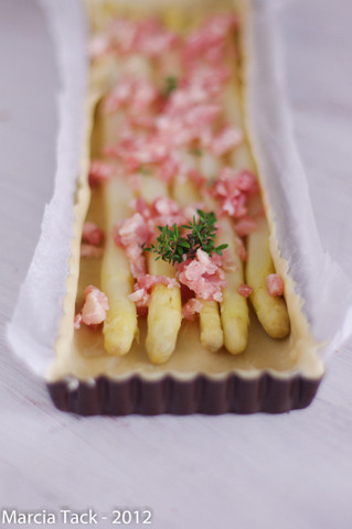 Tarte aux asperges et lardons