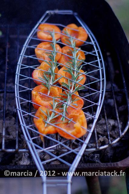 abricots roti au romarin