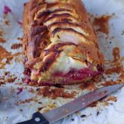 Recette de cake pommes framboises
