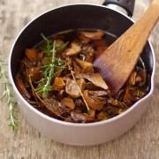 recette pour faire les champignons à l'huile en conserve