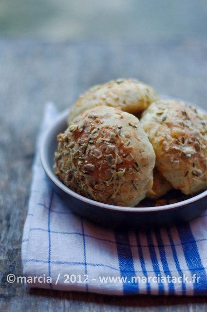 Petits pains au comté et céréales faciles