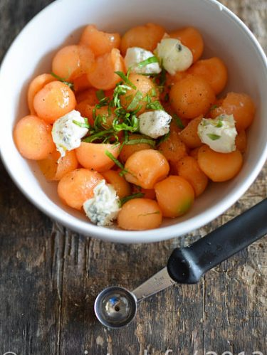 Recette de salade de melon gorgonzola et basilic