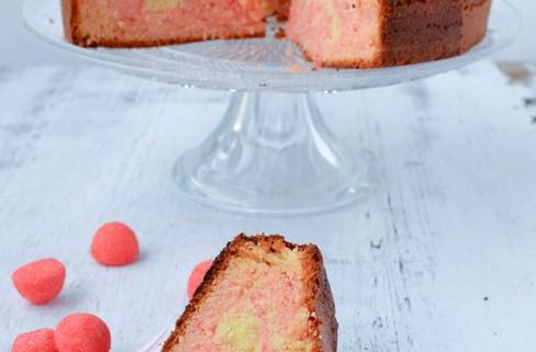 Zébra cake rose à la fraise tagada, le gâteau zébrée aux jolies couleurs