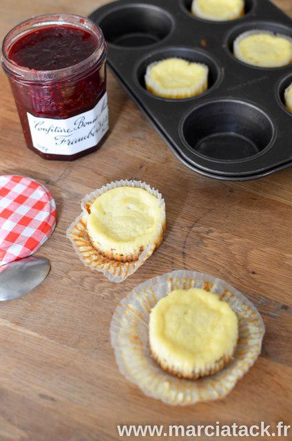 Mini-cheesecake-a-la-confiture-de-framboise-2