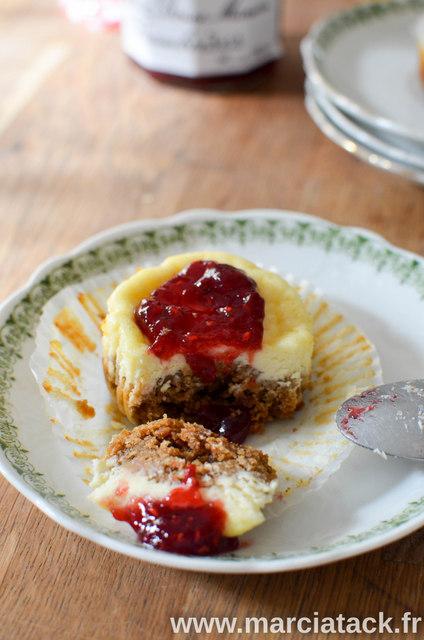 Mini-cheesecake-a-la-confiture-de-framboise-4