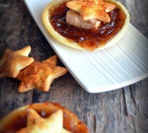 des feuilletés à la confiture de figue, du foie gras et des feuilletés en forme d'étoile