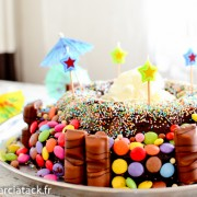 gâteau anniversaire fait maison, chocolat et smarties