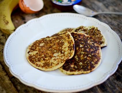 Recette de pancakes à la banane sans lait sans farine