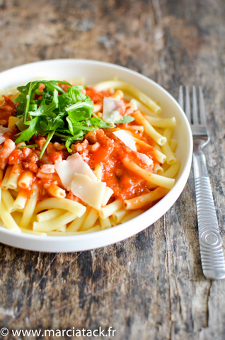 macaronis-lardons-tomates-roquette-001