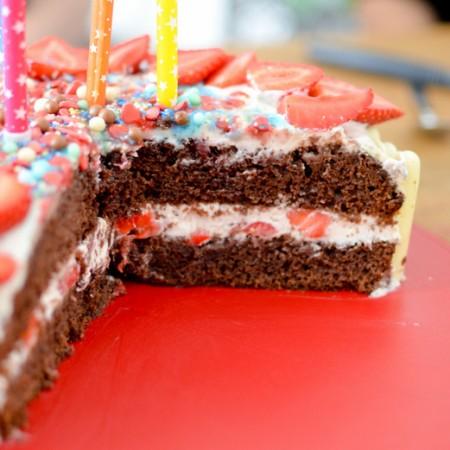Recette gâteau anniversaire 3 couches, chocolat fraises