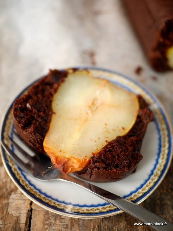Recette de gâteau au chocolat et poire entière