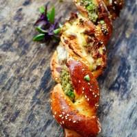 recette de brioche salée au thon et pistou