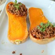 recette de courge butternut farcie à la viande hachée et sauce tomate