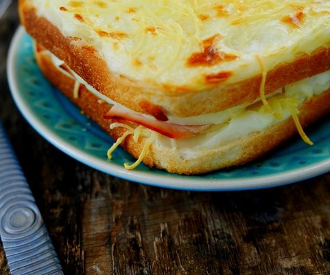 Comment faire un croque monsieur recettes de cuisine - Comment faire bechamel ...