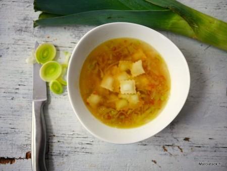 Soupe de ravioles aux poireaux