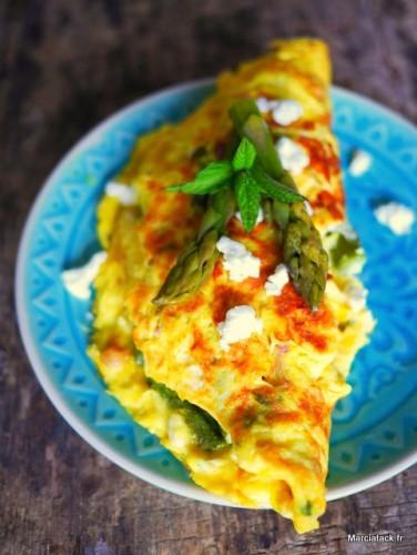 Omelette asperges, feta et menthe