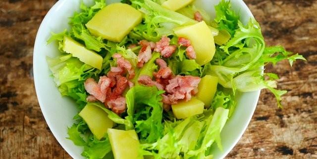 recette de salade frisée aux lardons et pommes de terre