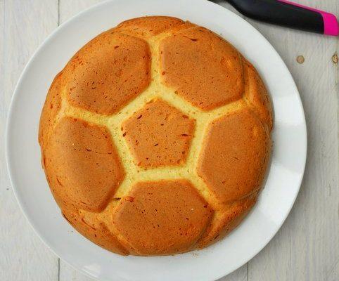 recette de gâteau ballon de foot en 3D. Recette Tupperware facile