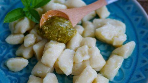 recette de gnocchis de pommes de terre au pesto (ou pistou) de basilic