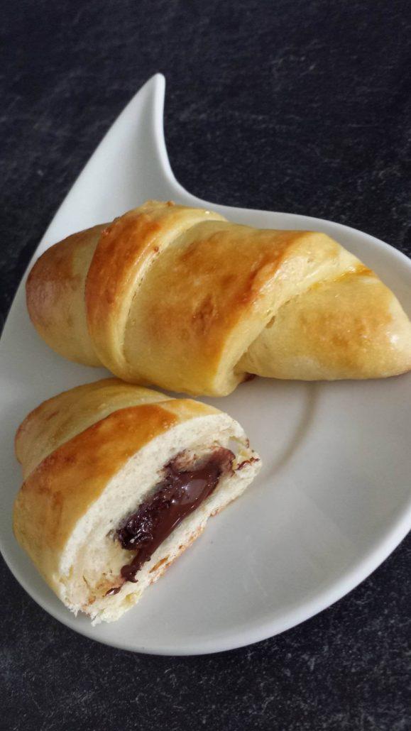 croissants au chocolat briochés