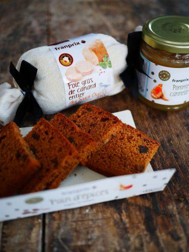 du pain d'épices et du foie gras