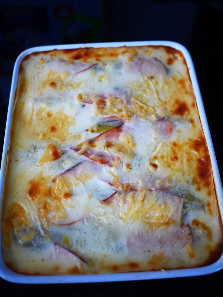 plat d'endives au jambon et béchamel