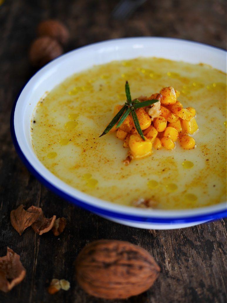 Soupe de maïs aux noix