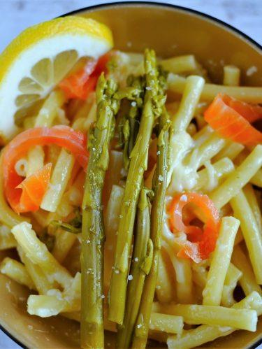 pâtes au saumon et asperges vertes