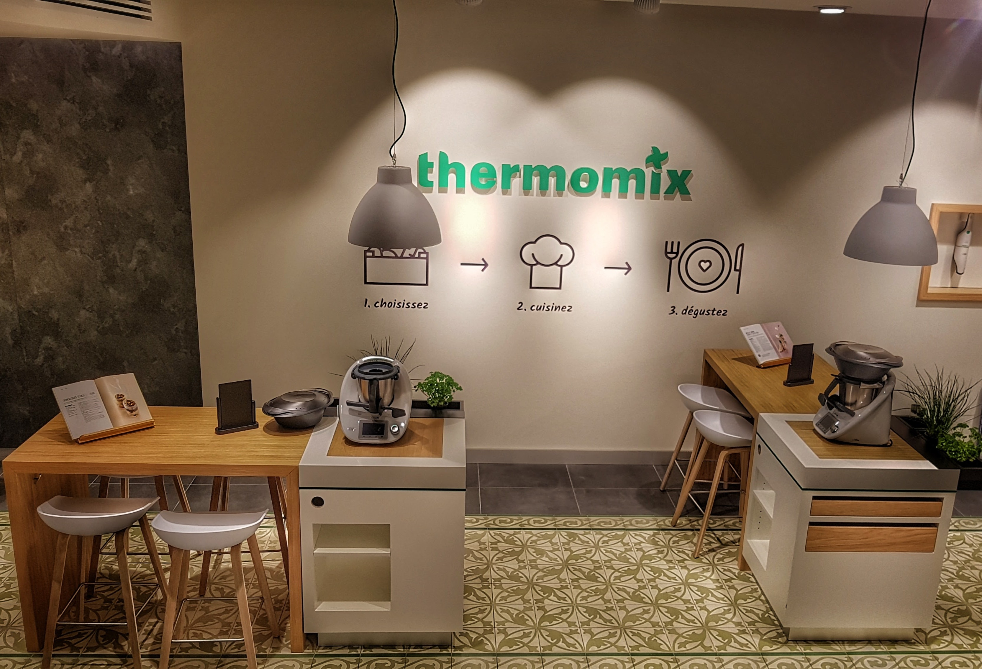 acheter un thermomix en boutique c est d sormais. Black Bedroom Furniture Sets. Home Design Ideas