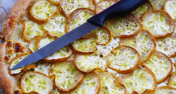 tarte fine à la courgette et fromage ail et fines herbes