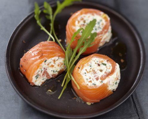 Recette de roulés de saumon fumé, sauce au crabe
