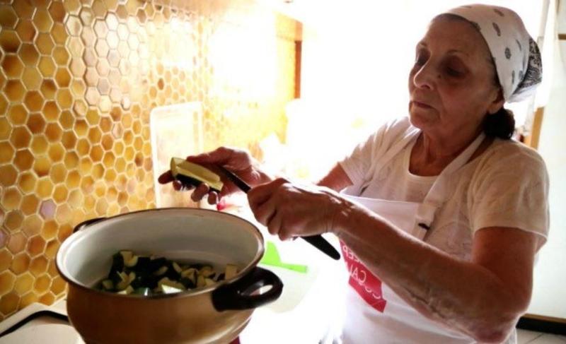 Vous aimez les recettes de grand-mères ? Découvrez Grandmas Project, un site qui répertorie de touchantes recettes vidéos