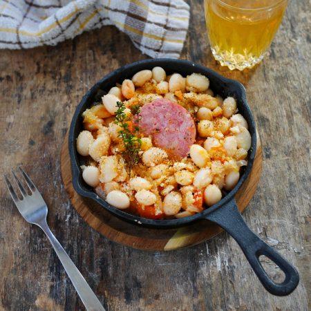 Recette haricots blancs à la tomate et saucisse de morteau