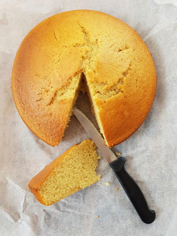 Gâteau moelleux au lait chaud