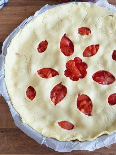 Recette de la tourte aux pommes et à la fraises