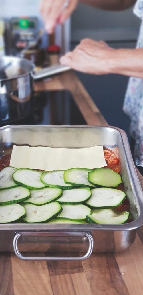 Lasagnes courgettes, sauce tomates à l'origan frais, et fromage de chèvre (sans béchamel)