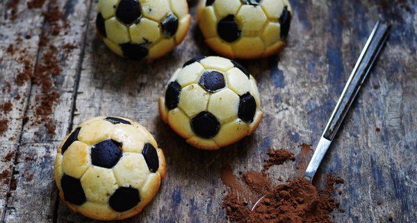 Recette de gâteaux madeleines de foot au chocolat