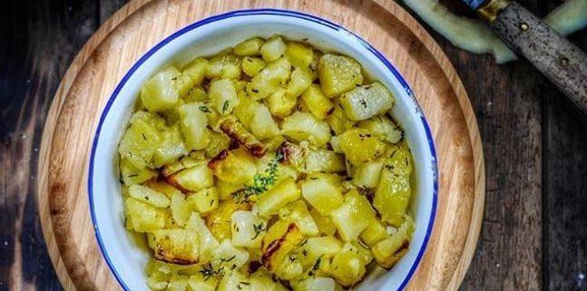 Recette de pommes de terre sautées cuites au four, ail et romarin