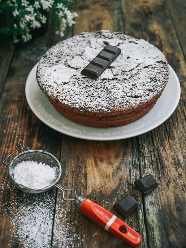 Gâteau au chocolat très très gros