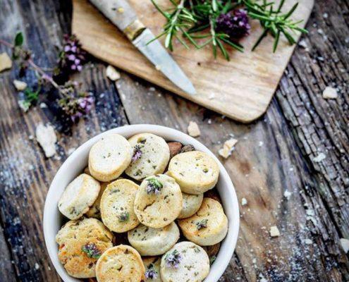 Recette de biscuits au parmesan et romarin